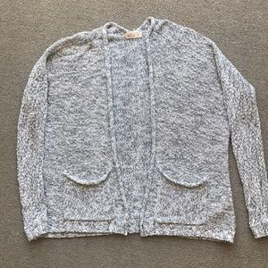 HOLLISTER KNIT SWEATER GRAY WHITE LOOSE FIT SMALL